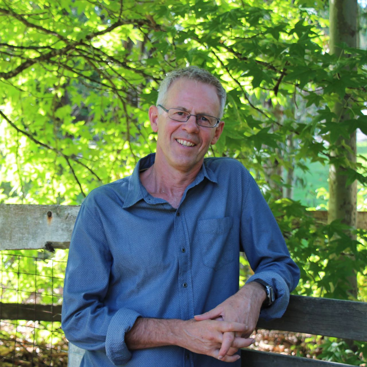 Jonathan Gould counsellor - headshot portrait